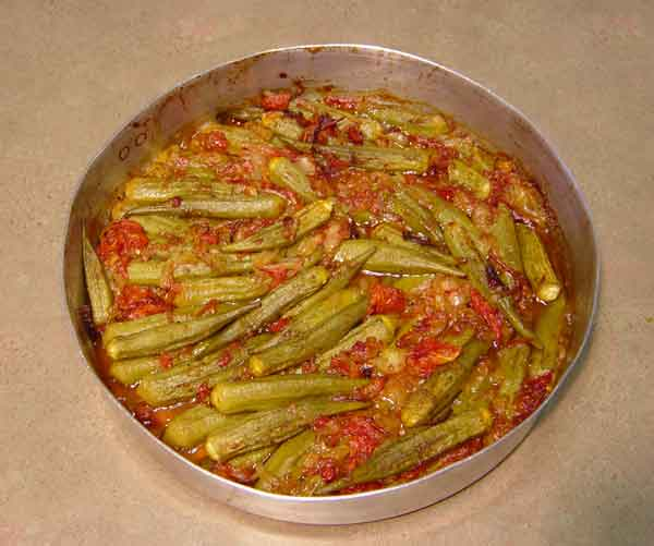 Complete home study program in Greek cuisine, recipe for Okra with vegetables (Μπάμιες με λαχανικά) from homecook at cmevt.com